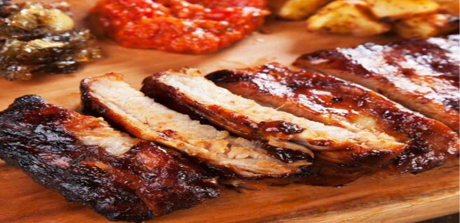 Aprenda a fazer uma deliciosa costela de porco com mel e mostarda