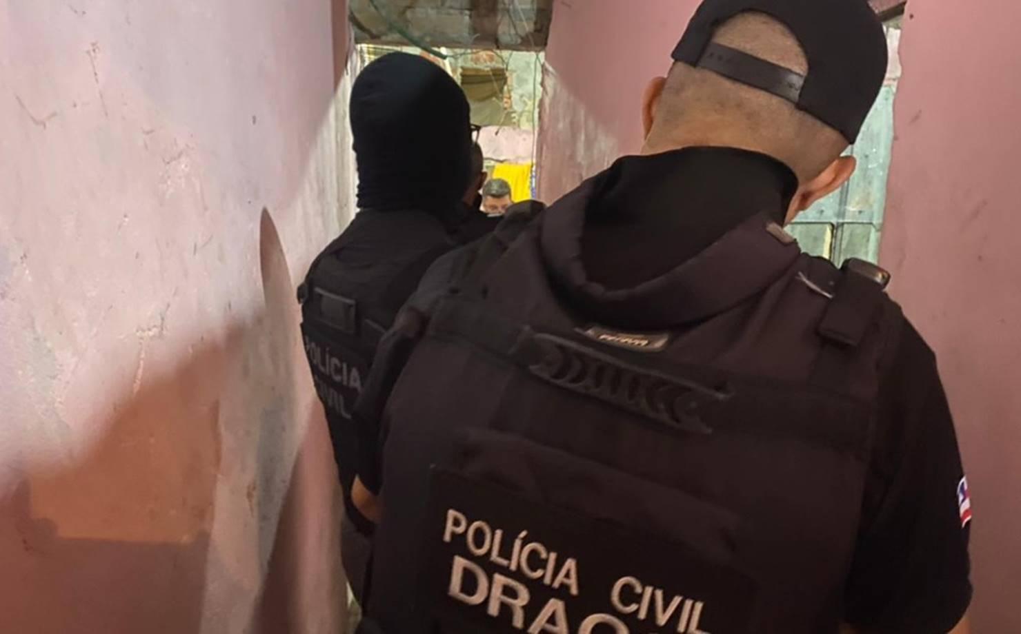 Suspeitos de roubos a bancos morrem após confronto com a polícia em Salvador