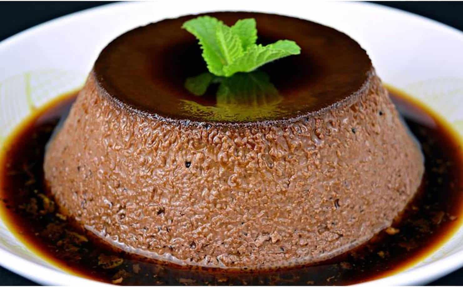 Prepare um saboroso pudim de chocolate sem forno