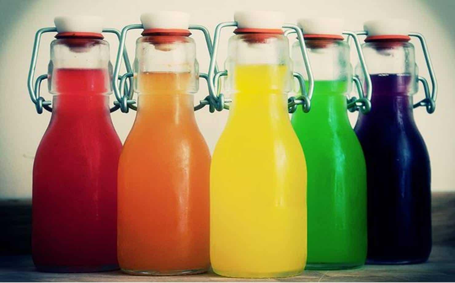 Confira duas receitas saudáveis de refrigerante caseiro