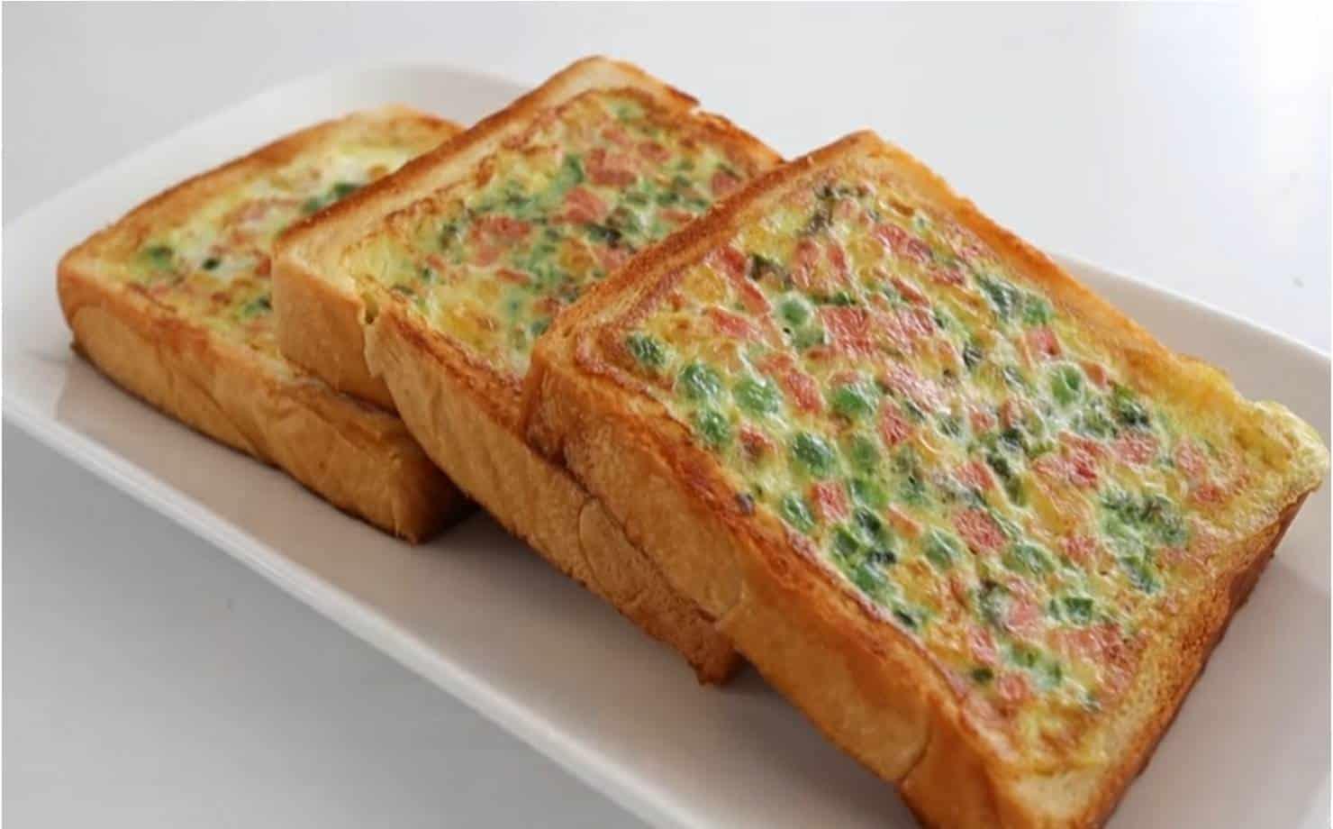 Sanduíche saboroso e nutritivo para o café da manhã ou lanche